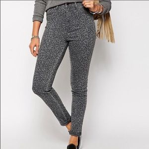 Abercrombie & Fitch Animal Print Gray Jegging 27